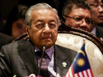 Malezya Başbakanı Mahathir Muhammed İstifa Etti