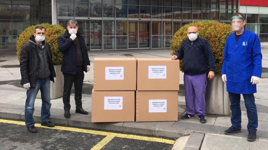 Öğretmenler Sağlık Emekçileri için harekete geçti Maske desteği