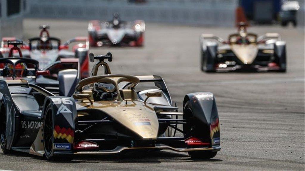 (Kovid-19) salgını nedeniyle Formula 1'de Kanada Grand Prix'si De Ertelendi