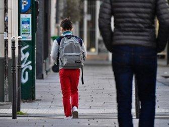 Fransa'da Okullar Açıldıktan Sonra 70 Öğrencide Kovid-19 Tespit Edildi