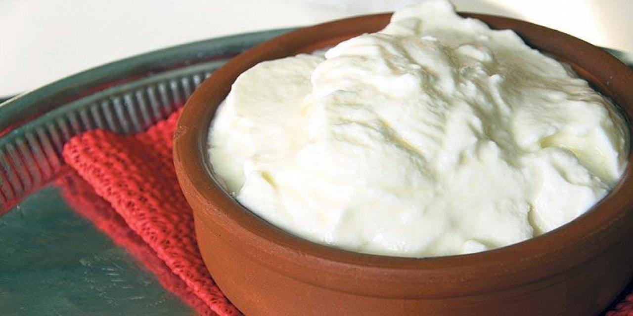 Dağılmayan kaşıkladıkça tadı damağınızda kalacak yoğurt mayalama böyle olur işte işin püf noktası...