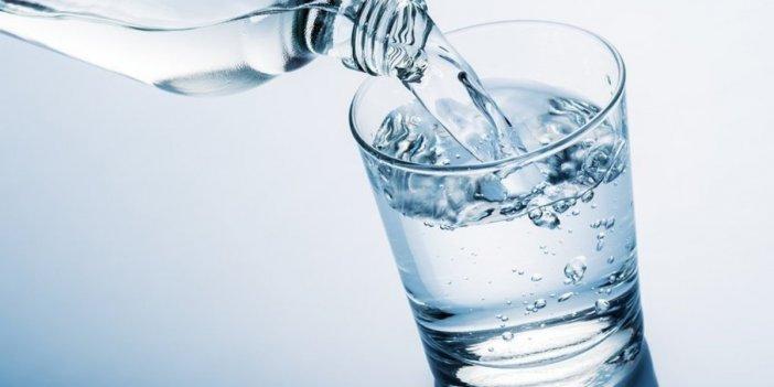 Eğer su içerken bu hatayı yapıyorsanız suyu yanlış içiyorsunuz ve zararı gerçekten çok büyük!