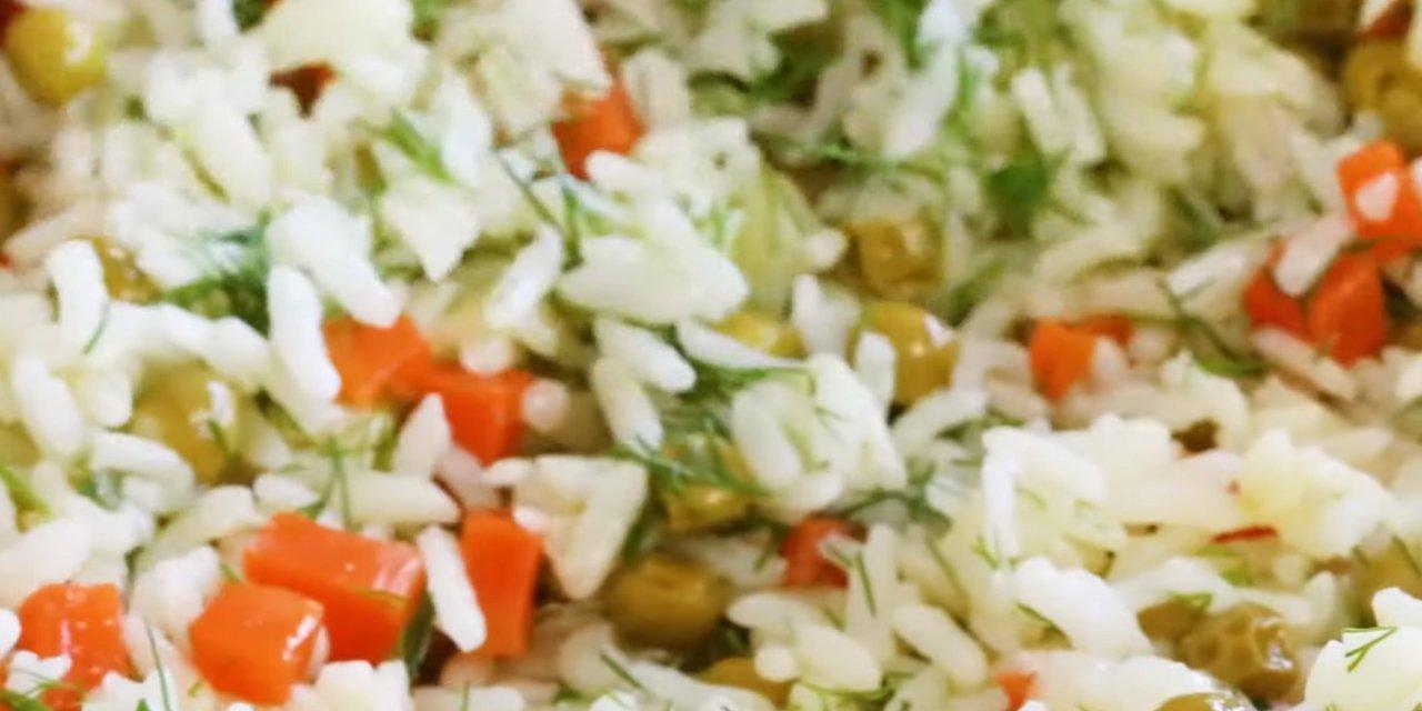 İftar sofranıza bereket katacak patlıcanlı biberli kabaklı tane tane pilav tarifi