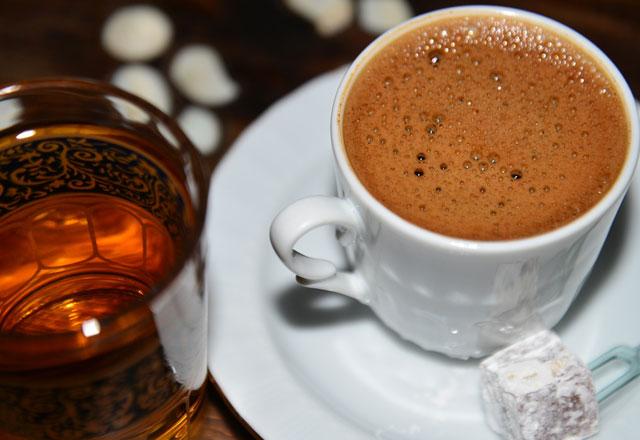 Kahveyi bu saatlerde sakın içmeyin!