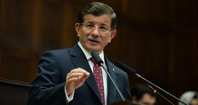 Davutoğlu'ndan İtalya Başbakanı'na telefon