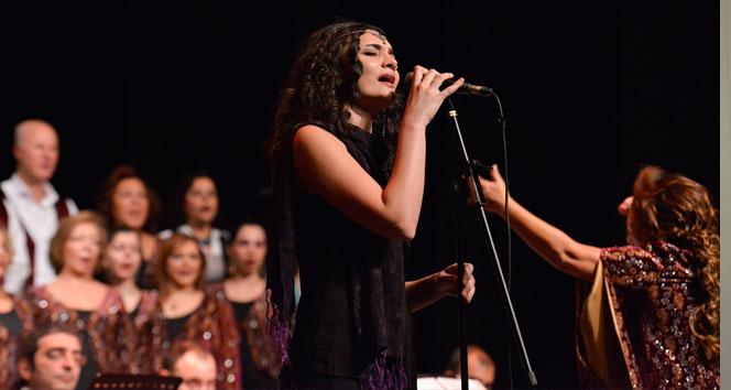 Maltepe'de '7 dilli' konser