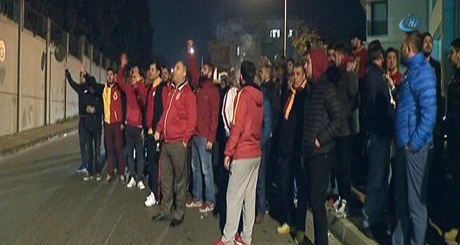 Galatasaray taraftarından yönetime istifa çağrısı