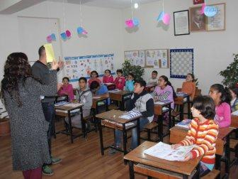 Bingöl'de bir ilk! Suriyeli çocuklar için özel sınıf!