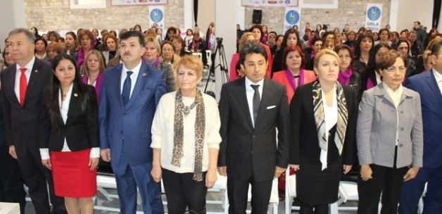 Kadın muhtarlar İzmir'de buluştu