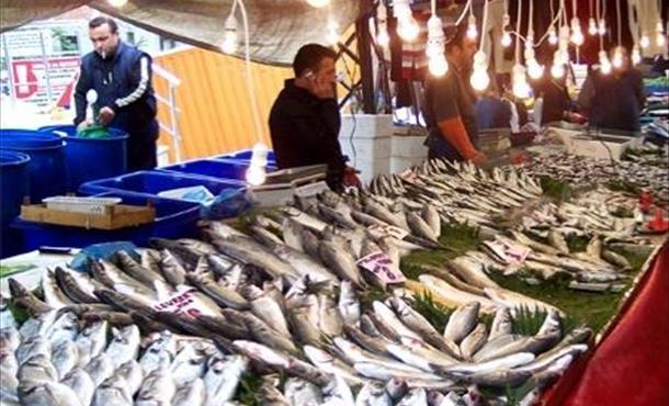 Kar yağışıyla balık fiyatları yükseldi