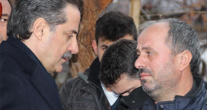 AK PARTİ'li Bakanı yıkan ölüm!
