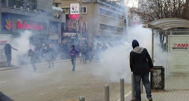 Kosova'da başbakanlık binasını ateşe verdiler!