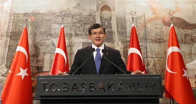 Davutoğlu Anayasa Komisyonu üyelerini açıkladı