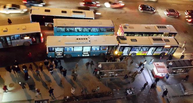 Mecidiyeköy'de  Kaza! Yolcu otobüsleri çarpıştı!