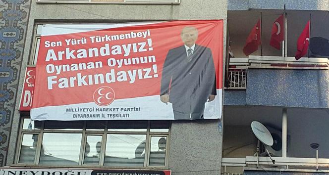 Diyarbakır'dan Bahçeli'ye pankartlı destek