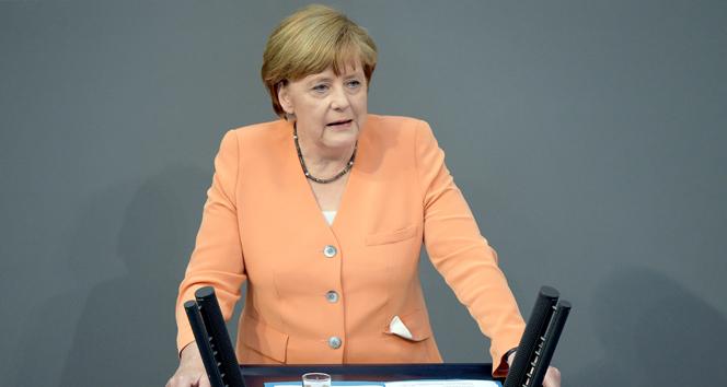 Merkel: 'Türkiye'ye ve Yunanistan'a destek verilmeli'