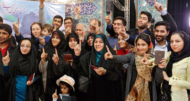 İran nüfusunun yüzde 58'i seçime katıldı