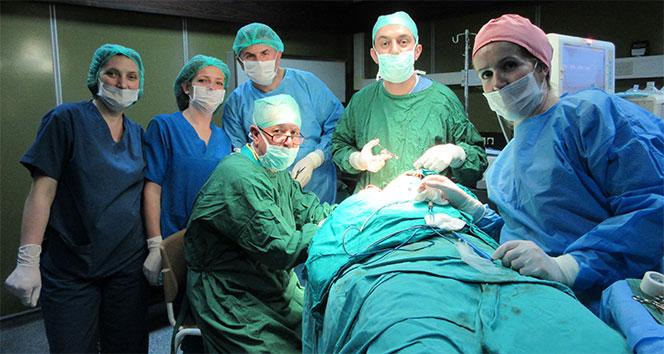 Türk doktorlar Balkanlar'da bir ilki gerçekleştirdi