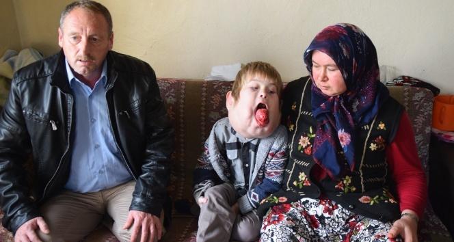 Türkiye'nin yüreğini burkan çocuk ameliyat oldu