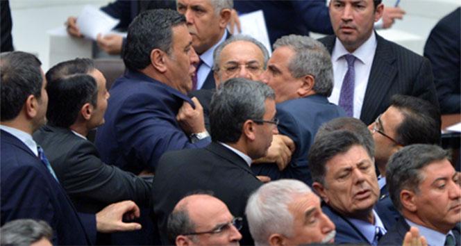 AK Partili ve CHP'li vekiller birbirine girdi!