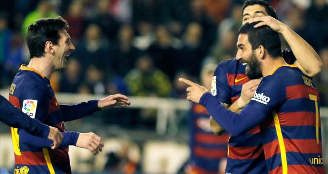 Arda Turan Barcelona'da ilk golünü attı