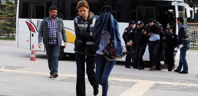 Polise sahte kimlik ve tapuyla tuzak!