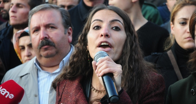 Tuğba Hezer hakkındaki fezleke Başbakanlık'ta
