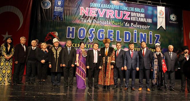 Dünya Türkleri Bursa'da teröre karşı birleşti!