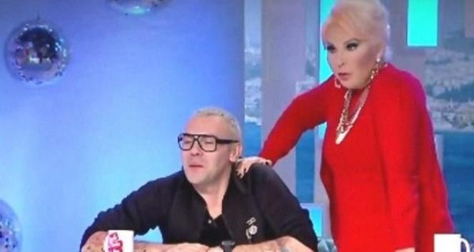 TV8  'Böyle Çok Daha Güzelsin' programını yayından kaldırdı