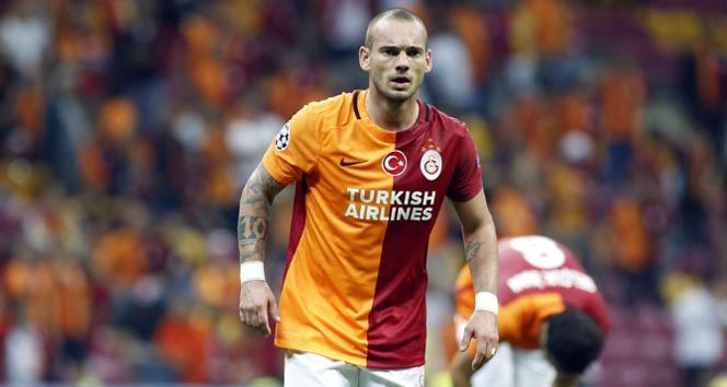 Wesley Sneijder sakatlandı