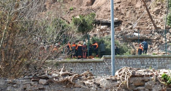 Gülhane Parkı'nda duvar çöktü!