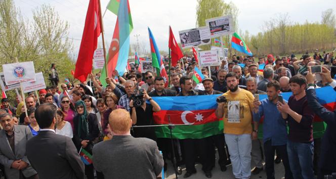 Ermenistan sınırına yürüdüler