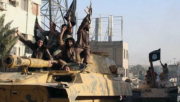 IŞİD Türkiye sınırında 'beş köyü ele geçirdi'