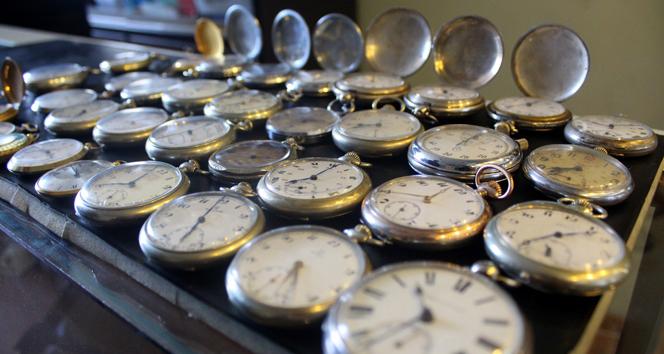 Antika saat hastalığı araba sattırıyor