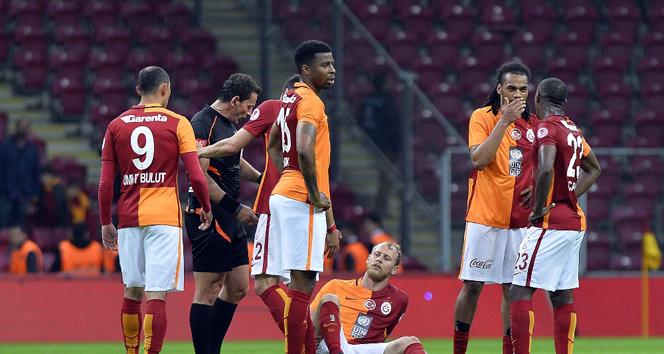 Galatasaray'da derbi öncesi şok!