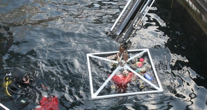 Marmaris'ten tonlarca çöp çıktı