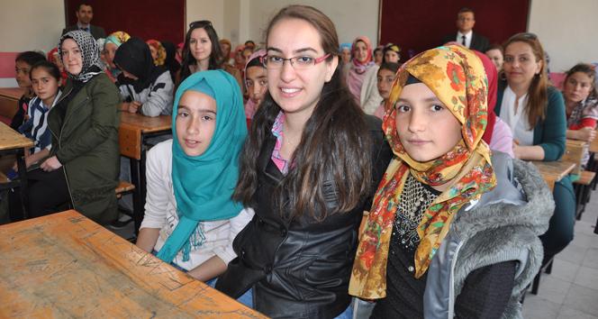 Fedakar öğretmenler 50 kızı okullu yaptı!