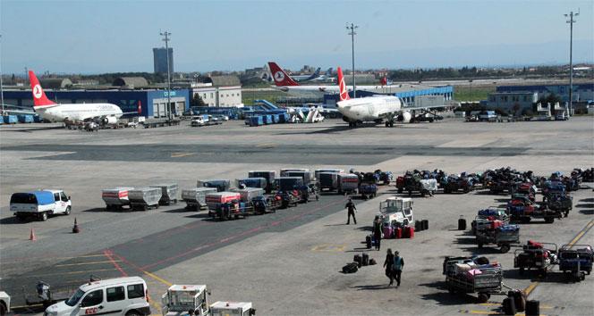 Atatürk Havalimanı trafiğine kapatıldı