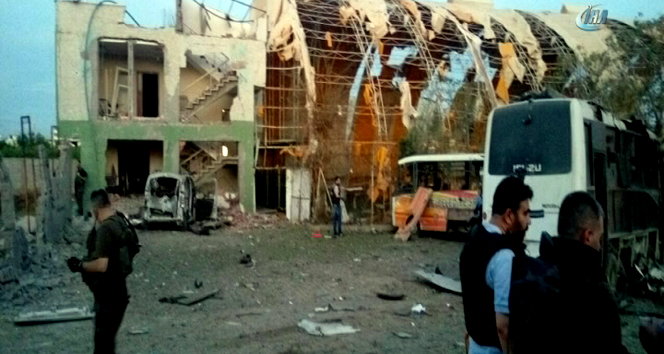 Silopi'de polise saldırı: 4 kişi öldü, 5'i polis 19 yaralı