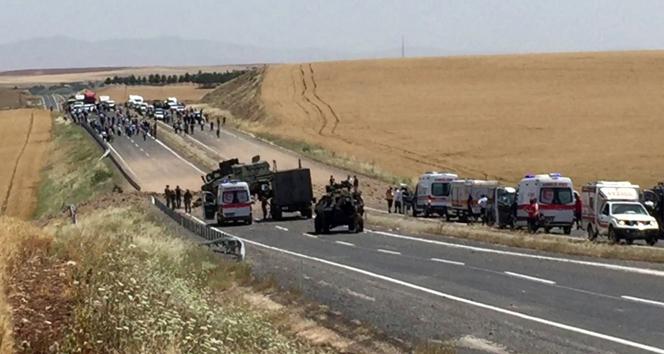Diyarbakır'da askeri araca bombalı saldırı