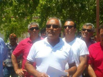 Kuşadası'nda taksicilerden eylem