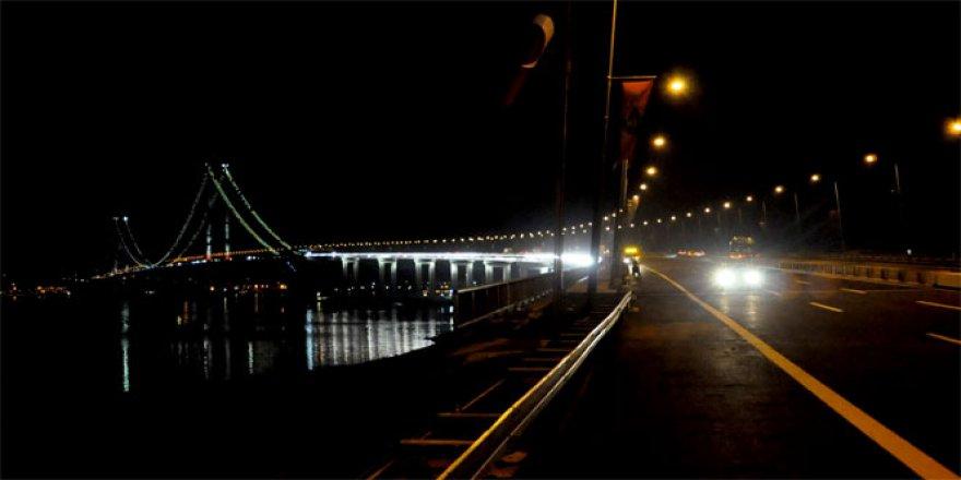 Osman Gazi Köprüsü gece yarısından itibaren trafiğe açıldı
