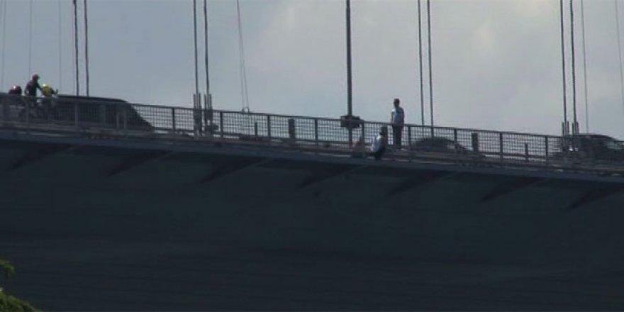 İstanbul trafiğine intihar girişimi engel oldu!