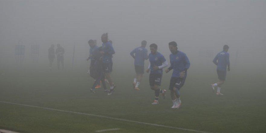 Fenerbahçe, yoğun sis mağduru oldu!