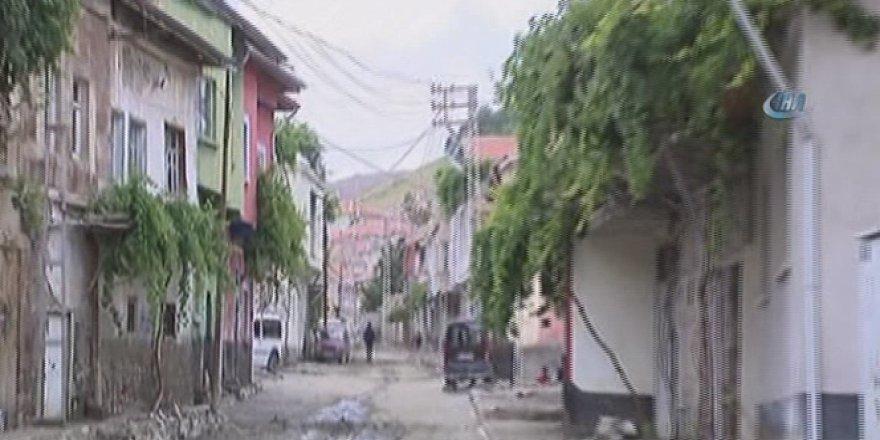 Sel felaketini ardından Yeşilhisarlılar yaralarını sarmaya çalışıyor