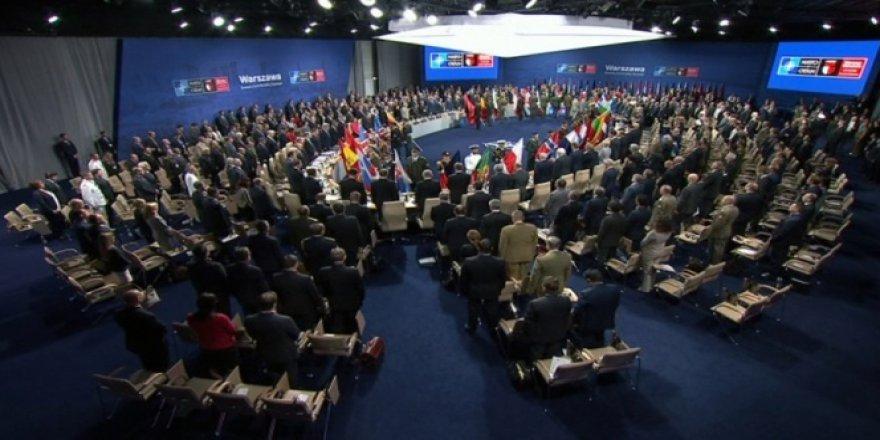 NATO Zirvesi saygı duruşuyla başladı!