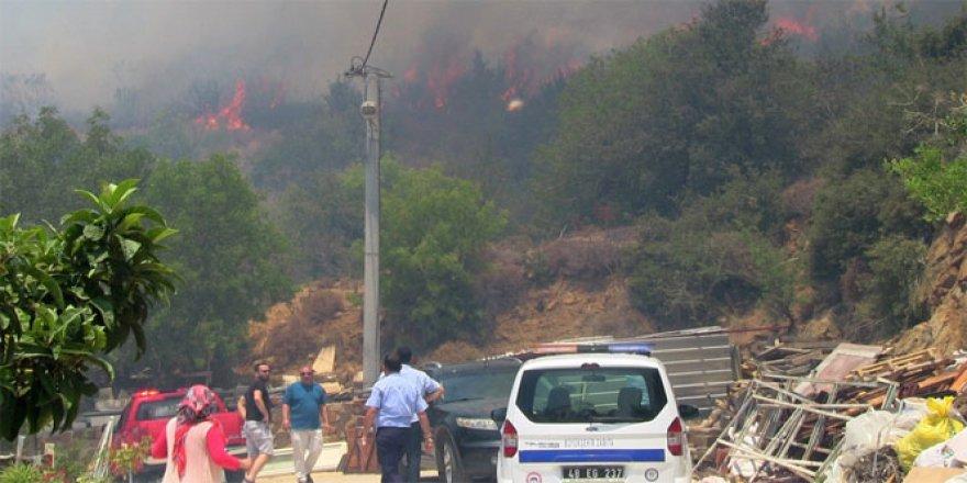 Bodrum'da korkutan yangın, köye 100 metre kala..!