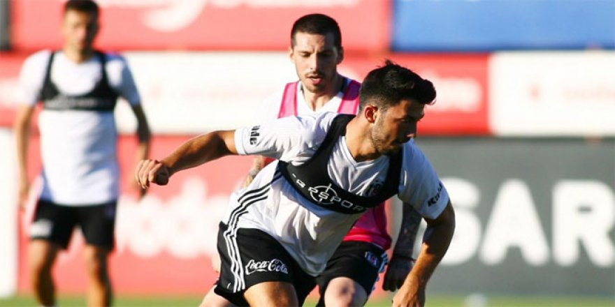 Beşiktaş'ta Jose Sosa antrenmana çıktı