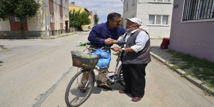 82 yaşında! Gençliğini ise bisiklete borçlu