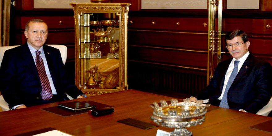 Cumhurbaşkanı Erdoğan Davutoğlu'yla görüştü